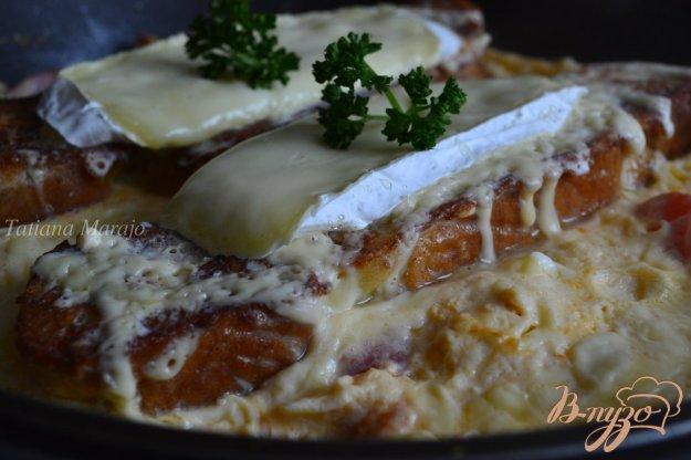 Рецепт Омлет с сыром и гренками