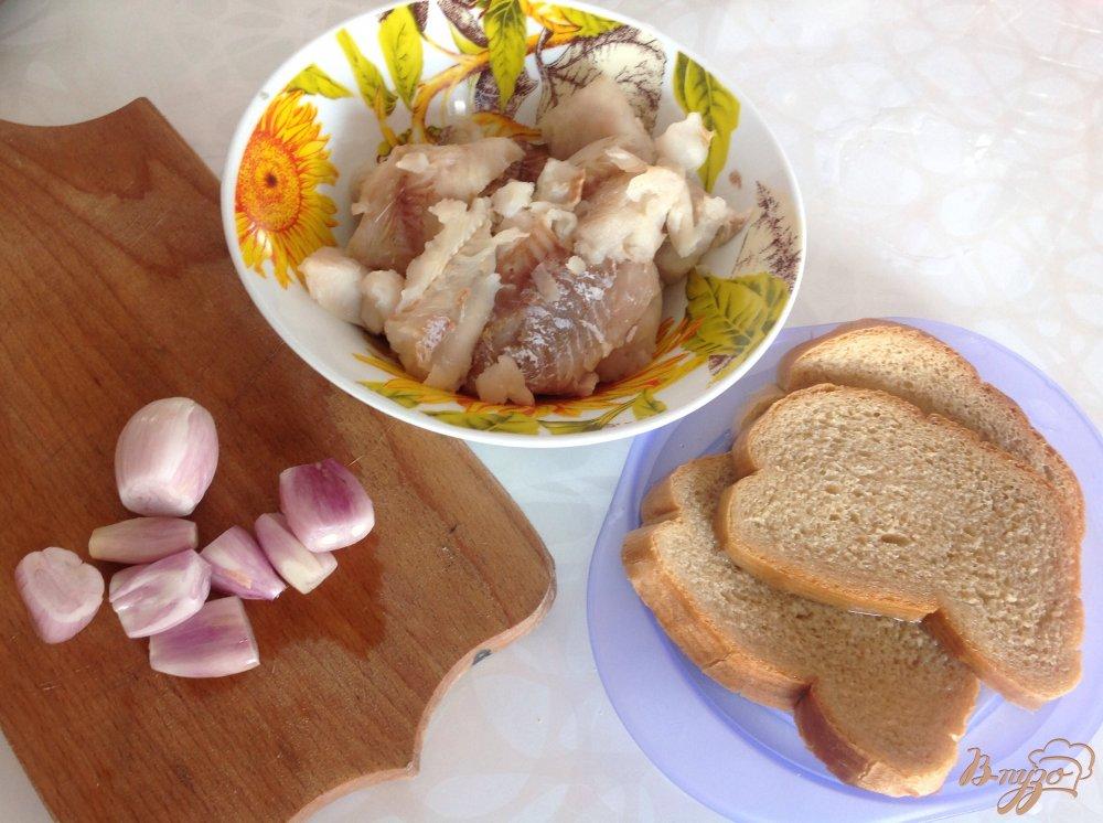 Фото приготовление рецепта: Рыбные котлеты с рисом шаг №1