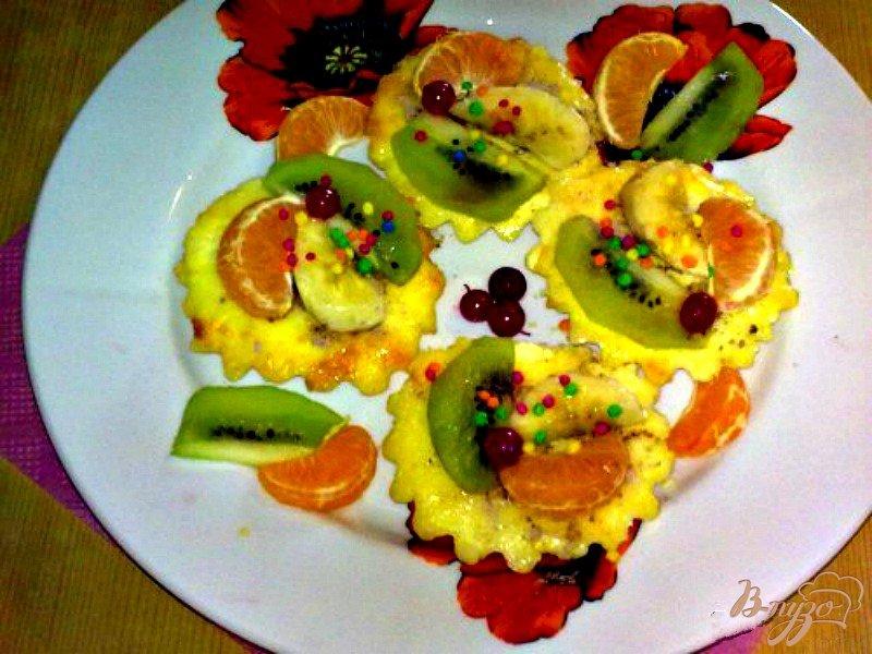 Фото приготовление рецепта: Маленькие творожные торты шаг №5