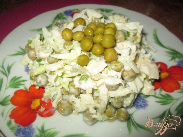 Рецепт Салат с капустой, яйцом и курицей