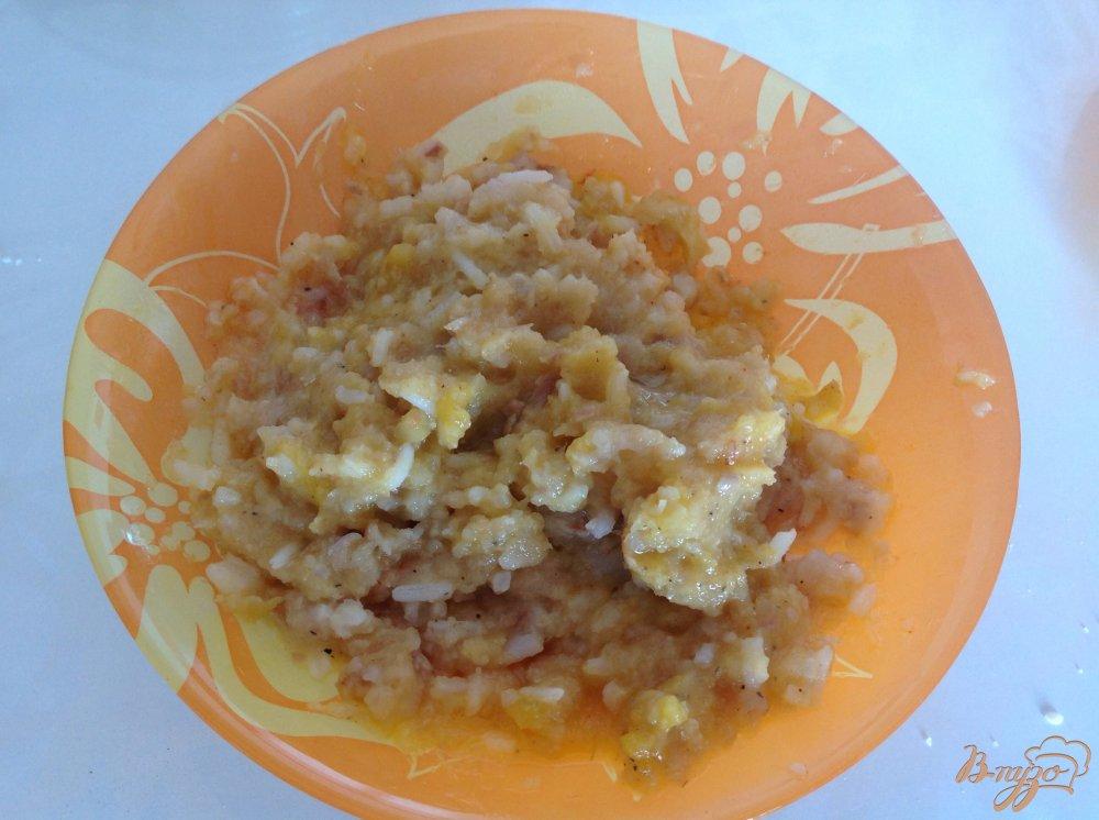 Фото приготовление рецепта: Суп с рыбными фрикадельками шаг №2
