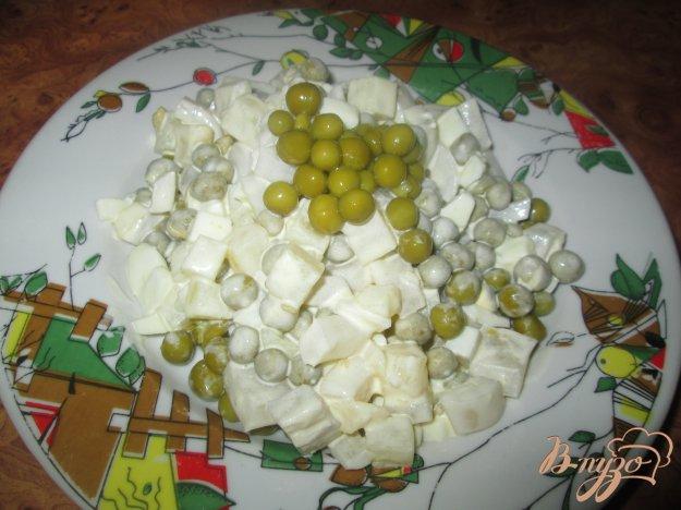 Рецепт Салат с кальмаром, картофелем и зеленым горошком