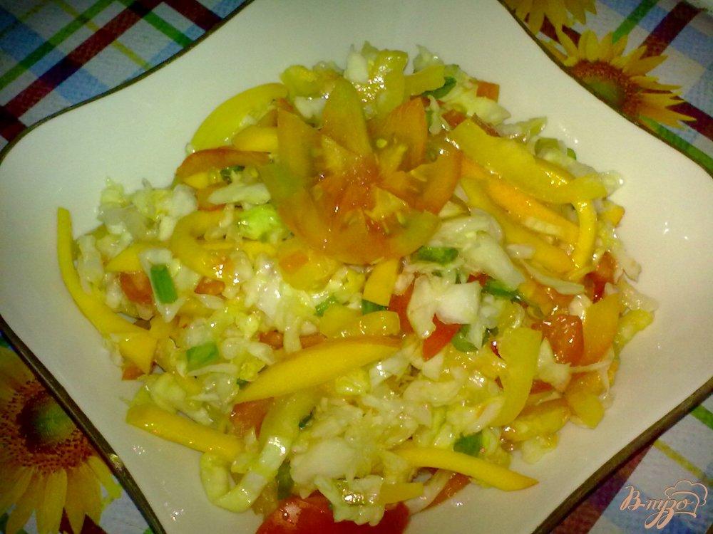 Фото приготовление рецепта: Салат с капустой шаг №8