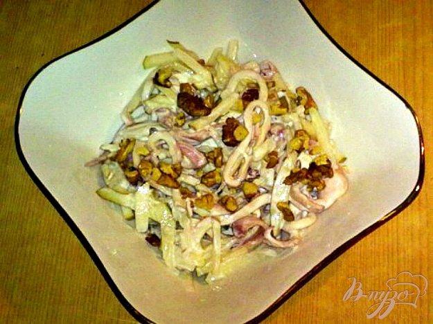 фото рецепта: Салат с кальмаром