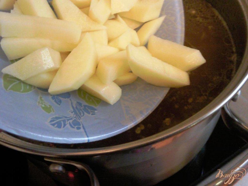 Фото приготовление рецепта: Борщ с фасолью шаг №2