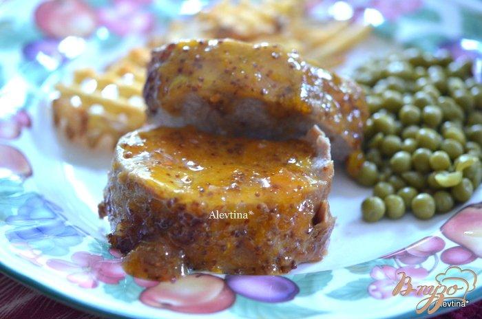 Фото приготовление рецепта: Свиное филе в абрикосовом соусе шаг №4