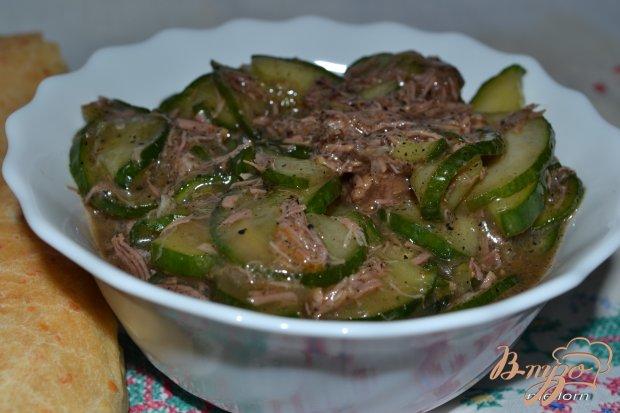 Салат огуречный с мясом (острый)