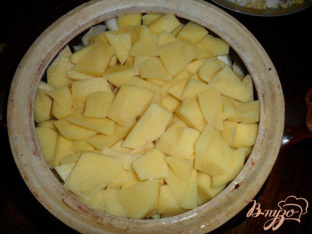Тушенный картофель в горшочке с свиными ребрами