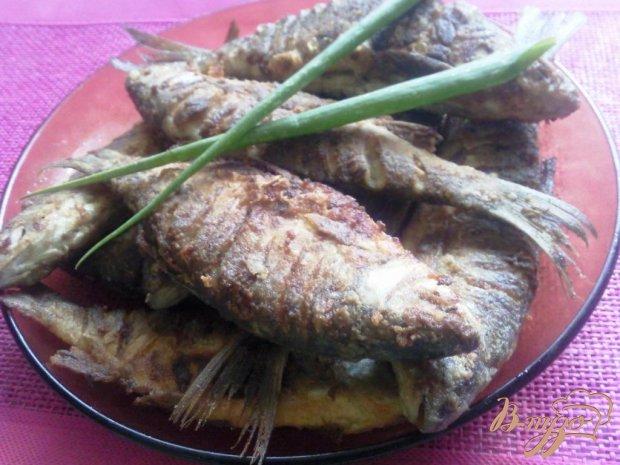 Жаренная речная рыба,маринованная в соусе чимичурри