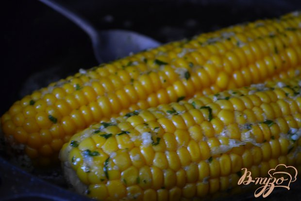 Кукуруза чесночно-сливочная с кинзой