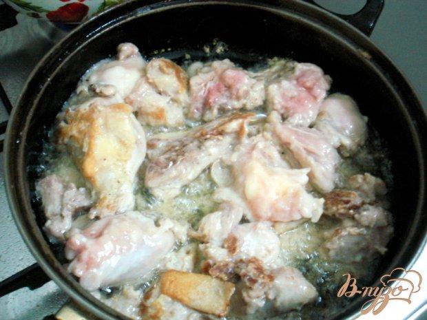 Куринные бедра в сметанном соусе