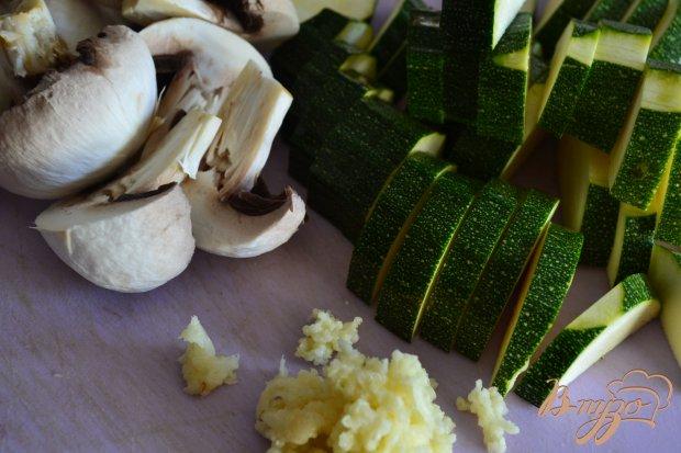 Гарнир из грибов и цукини