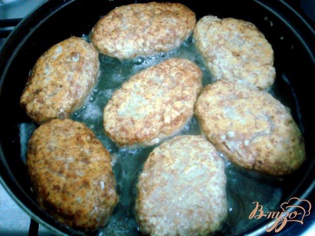 Котлеты с картофелем в соусе