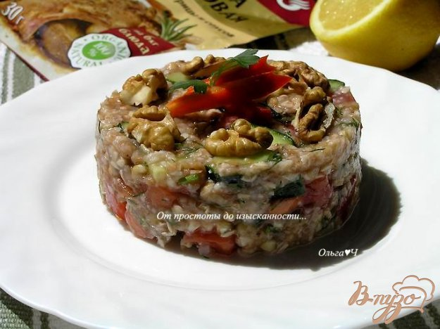 Рецепт Салат из зеленой гречки с овощами и ореховой заправкой
