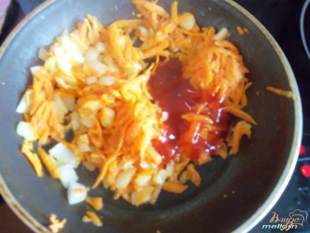 Фото приготовление рецепта: Фасолевый суп с клецками из цельнозерновой муки шаг №4