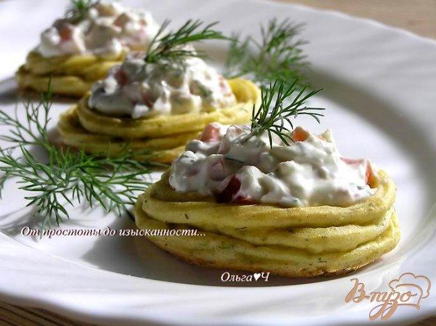 фото рецепта: Картофельные гнезда с творожным сыром и сладким перцем