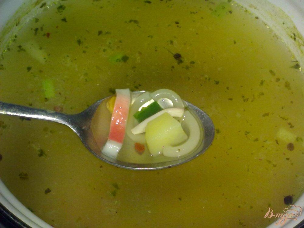 Фото приготовление рецепта: Суп с кальмаром шаг №5