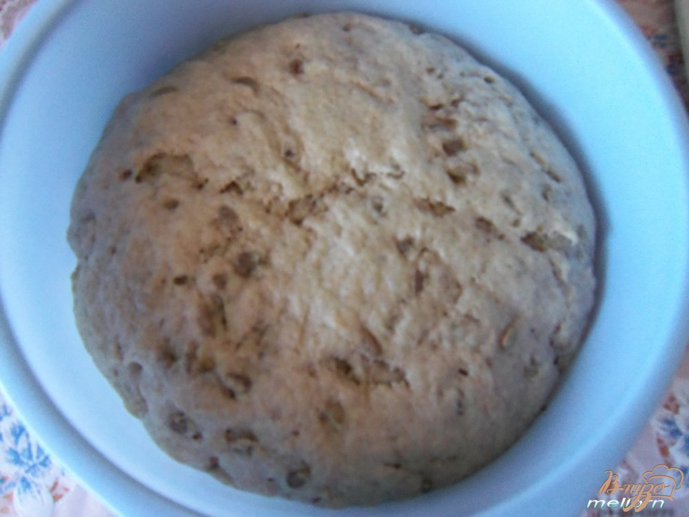 Фото приготовление рецепта: Ржано-пшеничный хлеб с семечками шаг №4