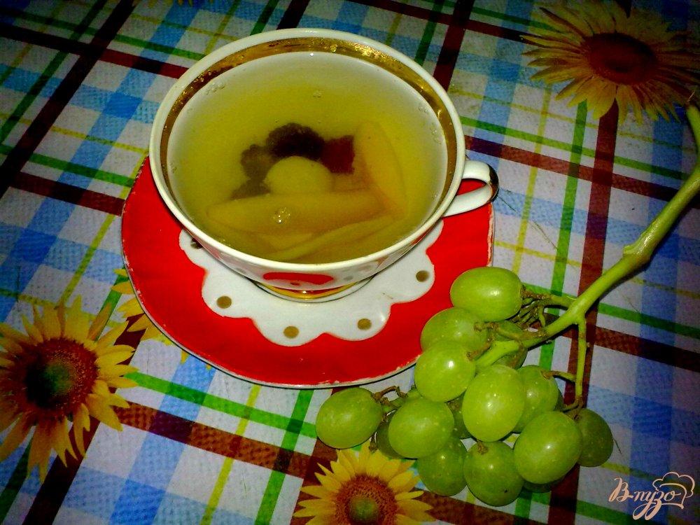 Фото приготовление рецепта: Компот из груш и ежевики и ... шаг №4