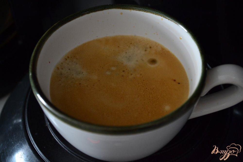 Фото приготовление рецепта: Кофейно-ежевичный напиток с киршем шаг №1