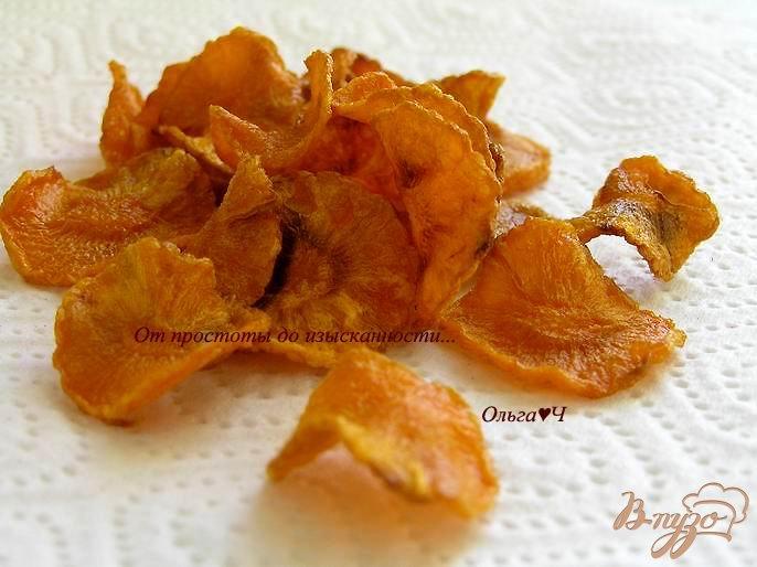 Фото приготовление рецепта: Морковные чипсы шаг №4