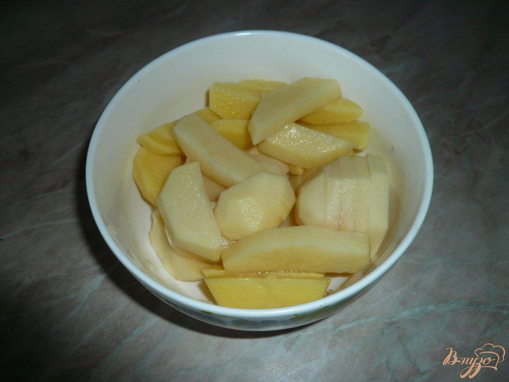 Фото приготовление рецепта: Суп с рисом и картофелем шаг №2
