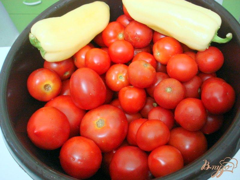 Фото приготовление рецепта: Помидоры маринованные, пряные шаг №1