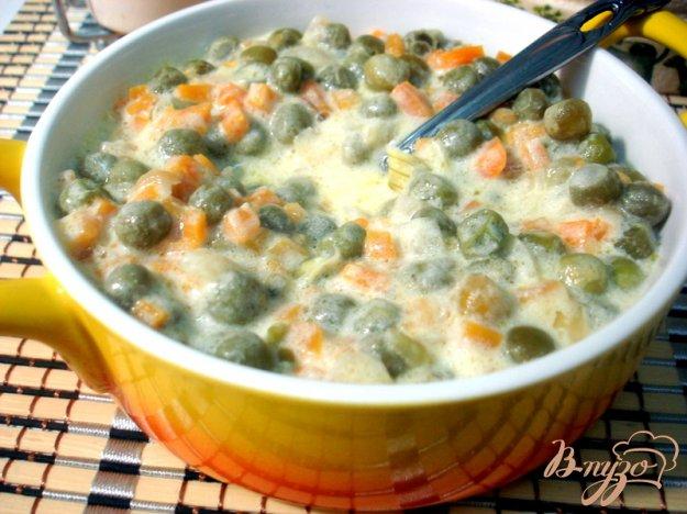 фото рецепта: Зелёный горошек с морковью в соусе