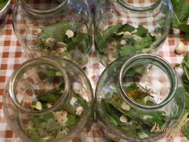 Фото приготовление рецепта: Помидоры черри с чесноком шаг №4