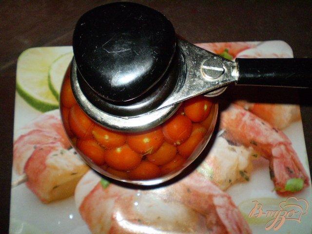 Фото приготовление рецепта: Помидоры черри с чесноком шаг №9