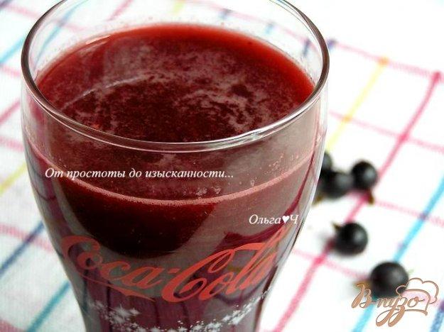 фото рецепта: Напиток из кока-колы с ягодами