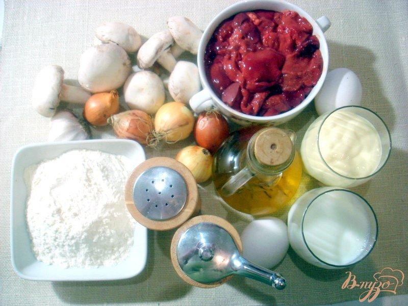 Фото приготовление рецепта: Печёночный торт с грибной начинкой шаг №1