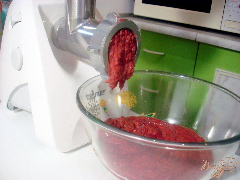 Фото приготовление рецепта: Печёночный торт с грибной начинкой шаг №2