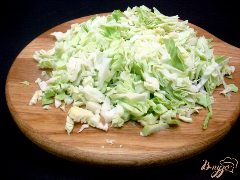 Фото приготовление рецепта: Суп с сырками и зелёным горошком шаг №8