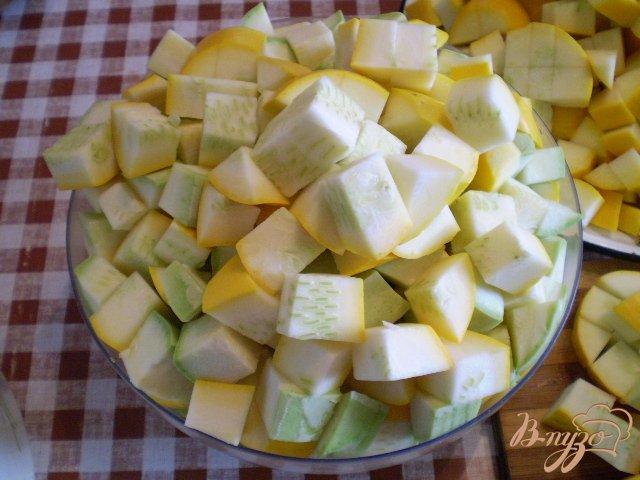 Фото приготовление рецепта: Кабачки в томате шаг №2