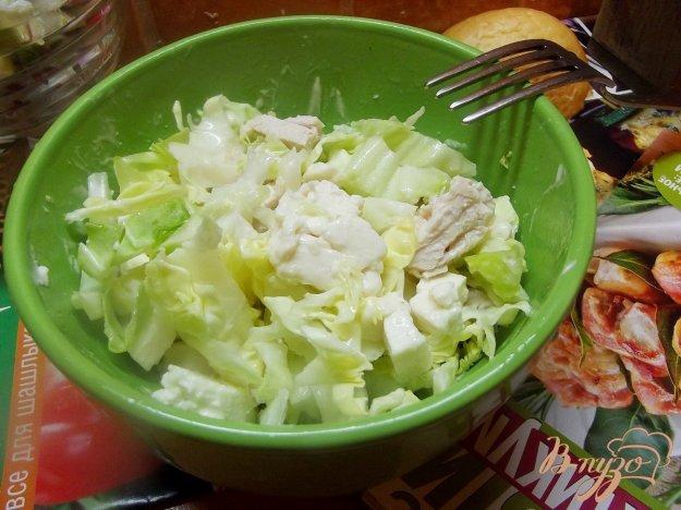 Рецепт Салат из отварной курицы с брынзой