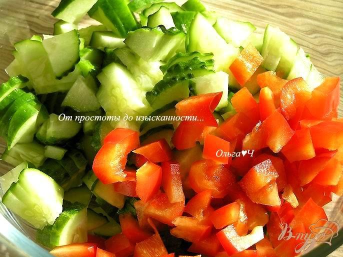 Фото приготовление рецепта: Овощной салат с крабовыми палочками шаг №1