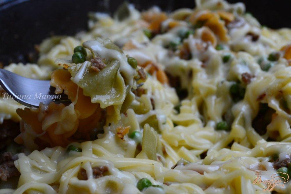 Фото приготовление рецепта: Макароны по-флотски с зеленым горошком шаг №5