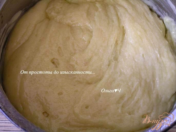 Фото приготовление рецепта: Мятный вишневый кекс шаг №4