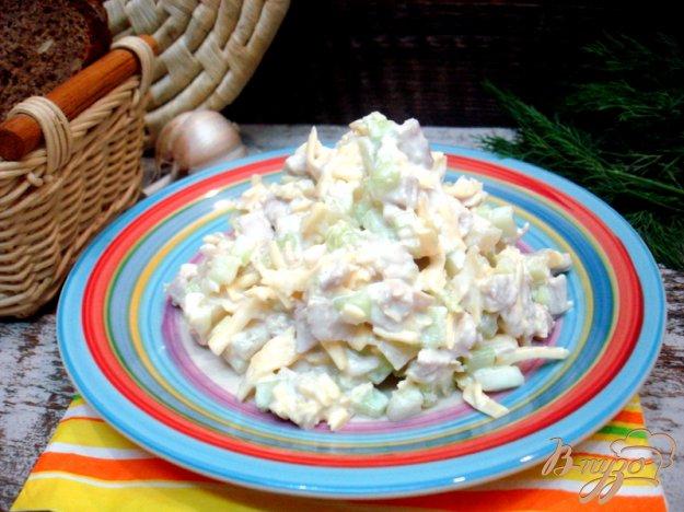 Рецепт Салат с сыром, огурцом и ананасом