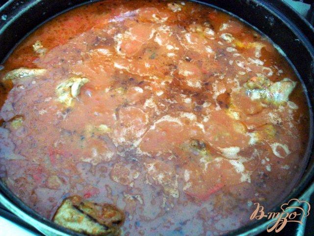 Фото приготовление рецепта: Телятина в томатно-сметанном соусе шаг №7