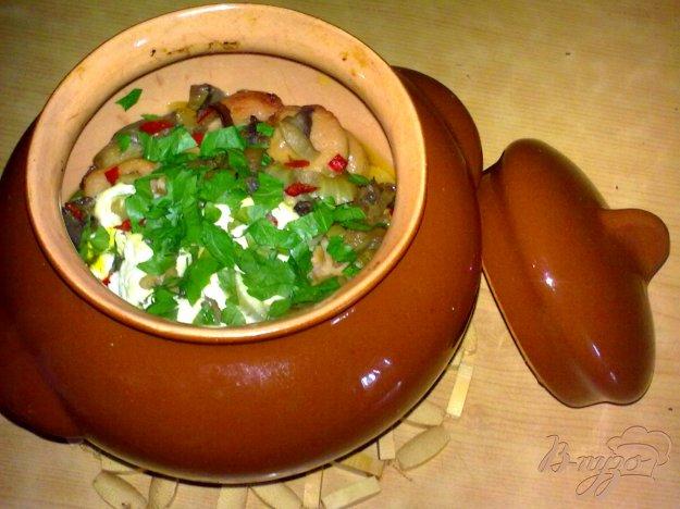 Рецепт Картофель с сосисками в горшочке