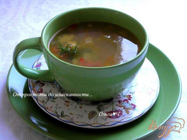 фото рецепта: Легкий горохово-овощной суп с мидиями
