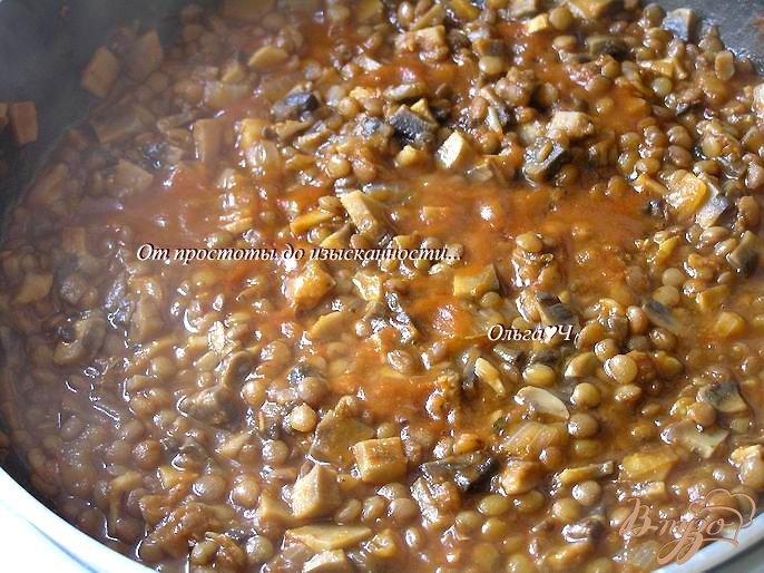 Фото приготовление рецепта: Спагетти с чечевичным болоньезе шаг №4