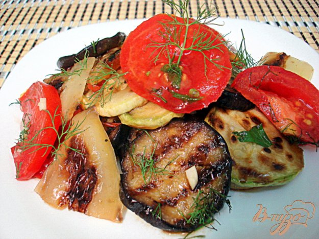 фото рецепта: Салат из овощей гриль