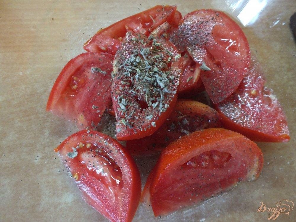 Фото приготовление рецепта: Салат из помидора с  фенхелем и шалфеем шаг №4