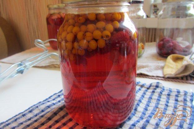 фото рецепта: Малиново-облепиховый компот на зиму