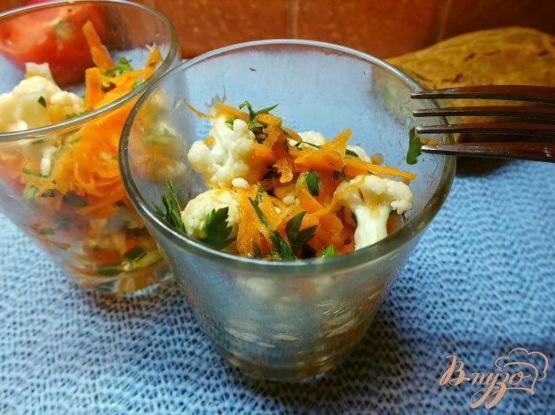 Рецепт Салат из сырой цветной капусты с морковью и уксусом