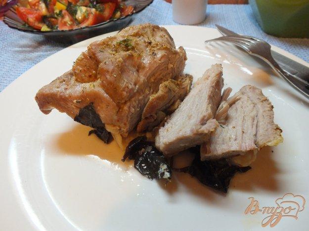 фото рецепта: Индюк запеченный в фольге с базиликом