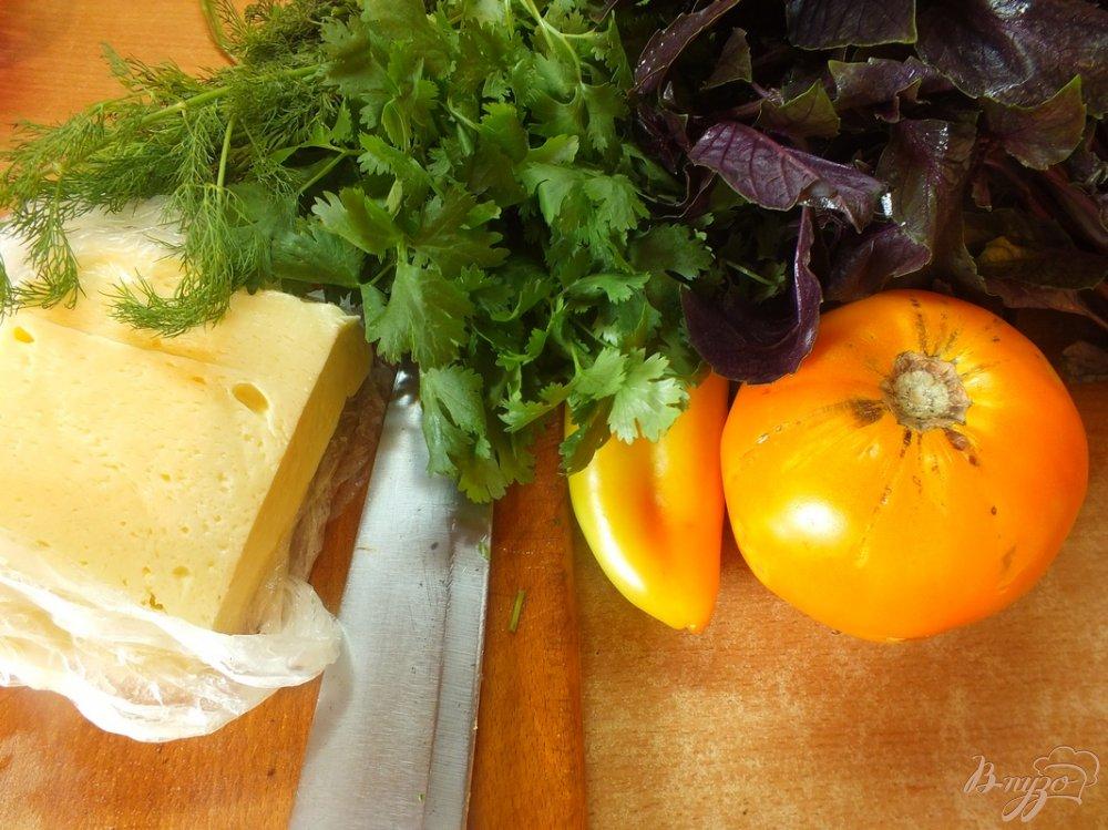 Фото приготовление рецепта: Салат из желтых микадо с сыром сулугуни шаг №1